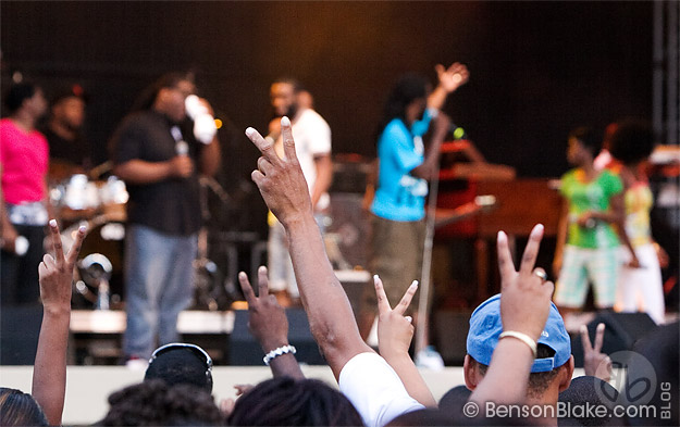 Tye Tribbett at King's Dominion, fans requesting song Victory - Joyfest 2009